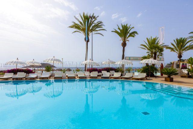 Sorteo: Dos Hamacas Premium en el Folies Beach Club Calviá